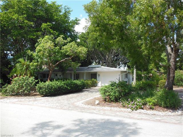517 102nd Ave N, Naples, FL 34108 (MLS #216063434) :: The New Home Spot, Inc.