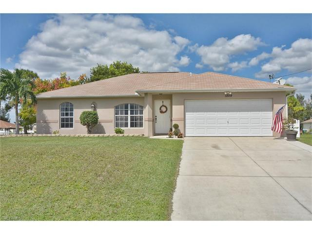 1209 SW 32nd Ter, Cape Coral, FL 33914 (#216063534) :: Homes and Land Brokers, Inc
