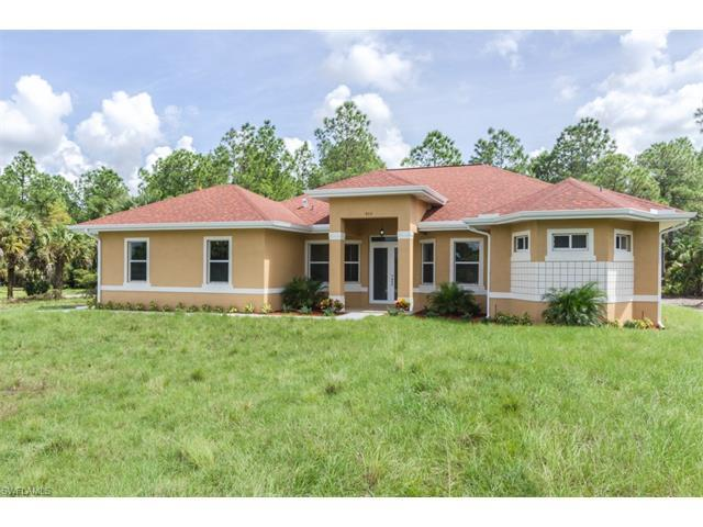 972 20th St SE, Naples, FL 34117 (#216063812) :: Homes and Land Brokers, Inc