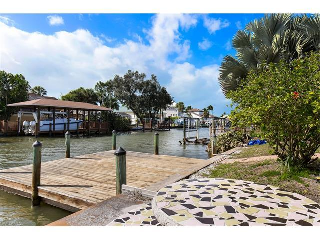 418 Seabee Ave, Naples, FL 34108 (MLS #216063900) :: The New Home Spot, Inc.