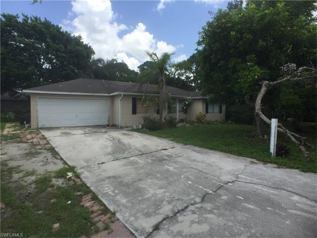 10871 St John Ct, Bonita Springs, FL 34135 (MLS #216064302) :: The New Home Spot, Inc.