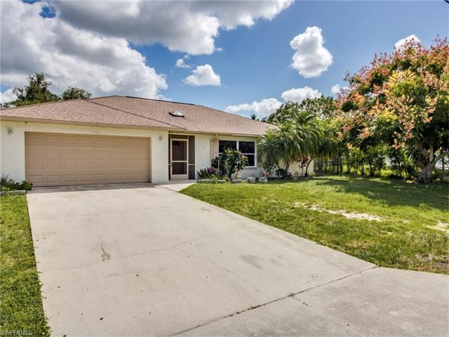 1718 41st Ter SW, Naples, FL 34116 (#216064403) :: Homes and Land Brokers, Inc