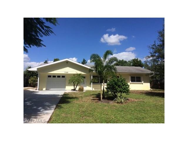 1165 Lastrada Ln, Naples, FL 34103 (#216064599) :: Homes and Land Brokers, Inc