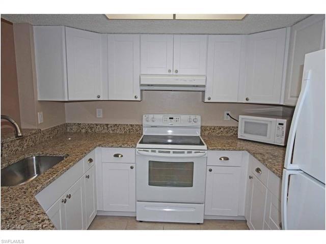 1376 Wildwood Lakes Blvd W #4, Naples, FL 34104 (MLS #216064789) :: The New Home Spot, Inc.