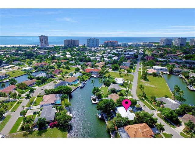 829 Saturn Ct, Marco Island, FL 34145 (MLS #216064981) :: The New Home Spot, Inc.