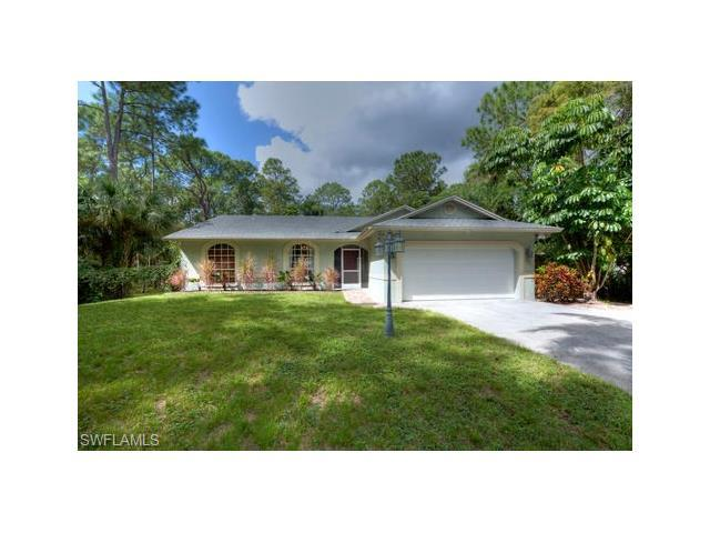 1561 Logan Ct, Naples, FL 34116 (#216065017) :: Homes and Land Brokers, Inc