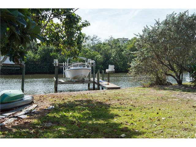 1850 Harbor Pl, Naples, FL 34104 (#216078890) :: Homes and Land Brokers, Inc