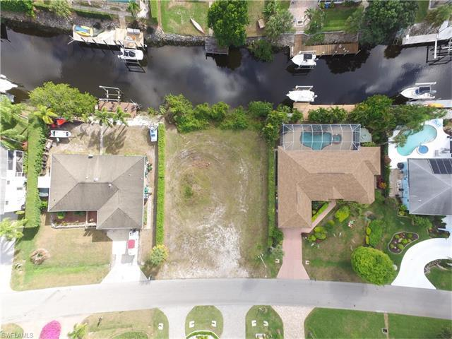 2344 Longboat Dr, Naples, FL 34104 (#216079331) :: Homes and Land Brokers, Inc