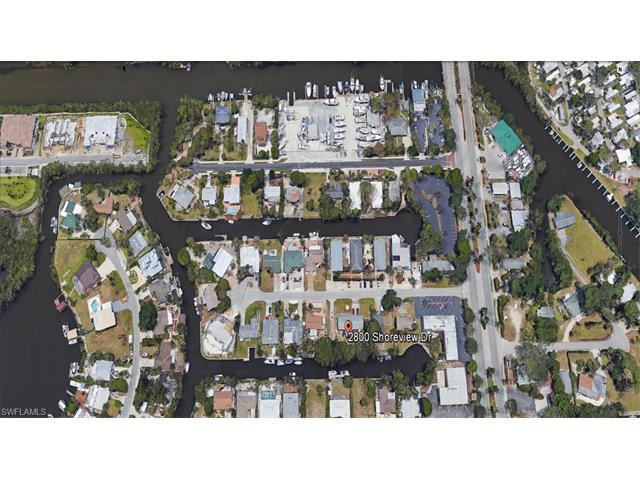 2800 Shoreview Dr, Naples, FL 34112 (#216079613) :: Homes and Land Brokers, Inc