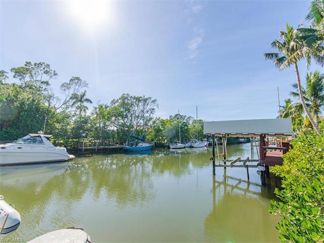 1630 Chesapeake Ave S, Naples, FL 34102 (MLS #217002623) :: The New Home Spot, Inc.