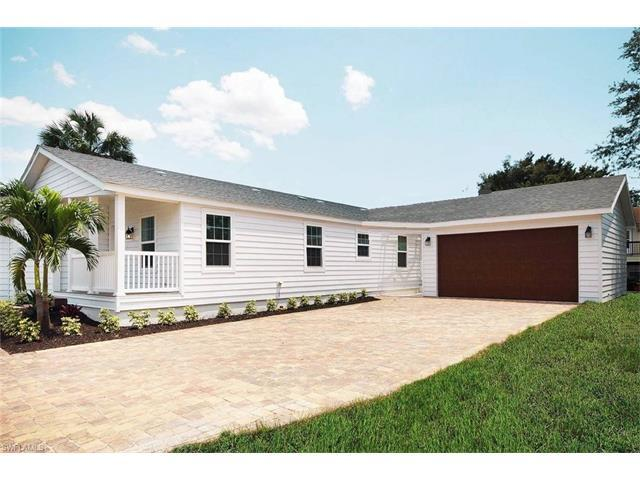 4671 Villa Capri Ln, Bonita Springs, FL 34134 (MLS #217014430) :: The New Home Spot, Inc.