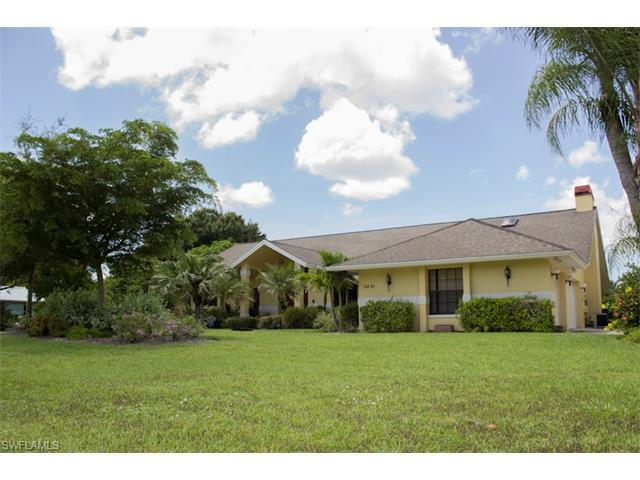 9461 Winterview Dr, Naples, FL 34109 (#217015258) :: Homes and Land Brokers, Inc