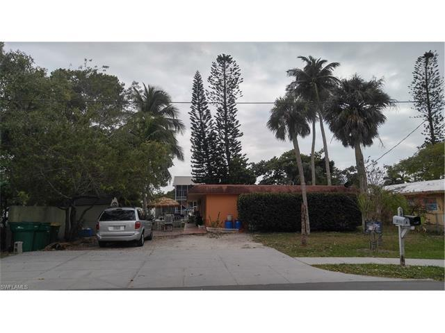 2836 Bayview Dr, Naples, FL 34112 (#217016143) :: Homes and Land Brokers, Inc