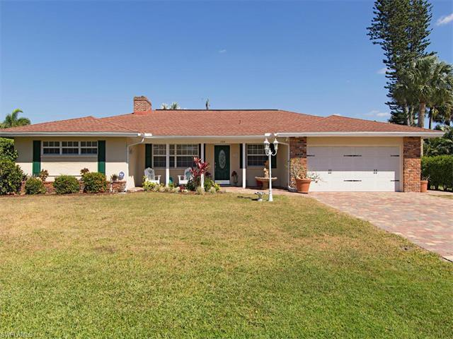 104 Cypress Point Dr, Naples, FL 34105 (MLS #217021685) :: The New Home Spot, Inc.