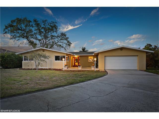 5019 E Riverside Dr, Fort Myers, FL 33905 (MLS #217023354) :: The New Home Spot, Inc.