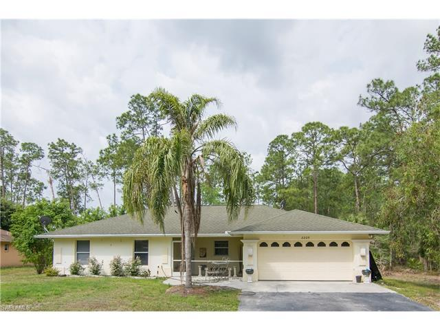 2225 Robin Dr, Naples, FL 34117 (MLS #217024098) :: The New Home Spot, Inc.