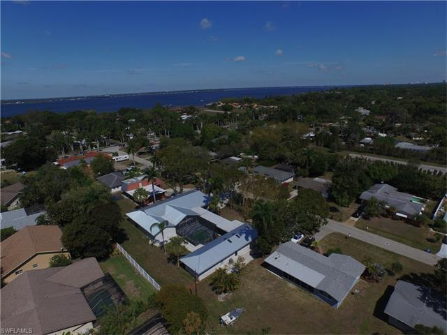 892 Dean Way, Fort Myers, FL 33919 (MLS #217025160) :: The New Home Spot, Inc.