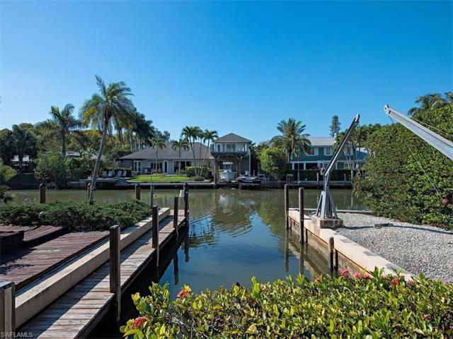 556 17TH Ave S, Naples, FL 34102 (MLS #217025332) :: The New Home Spot, Inc.