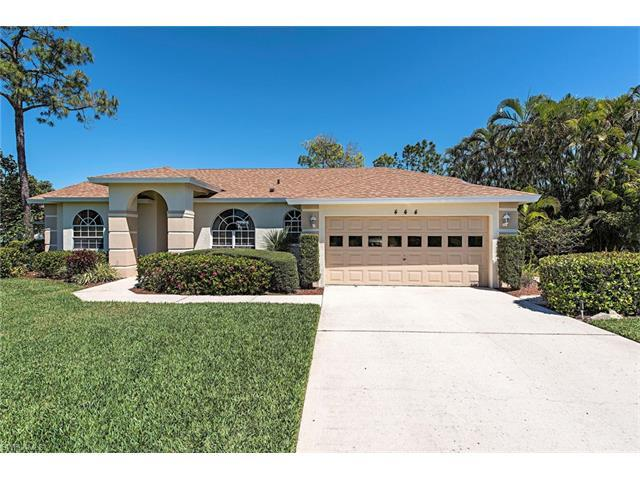 444 Briarwood Blvd, Naples, FL 34104 (#217025931) :: Homes and Land Brokers, Inc