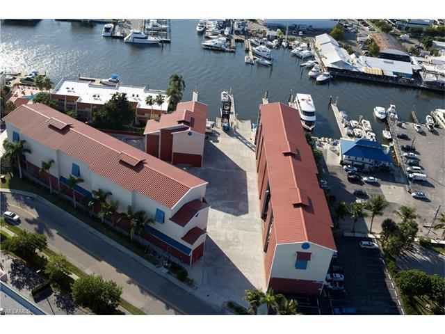 750 River Point Dr B3-20, Naples, FL 34102 (#217026259) :: Homes and Land Brokers, Inc