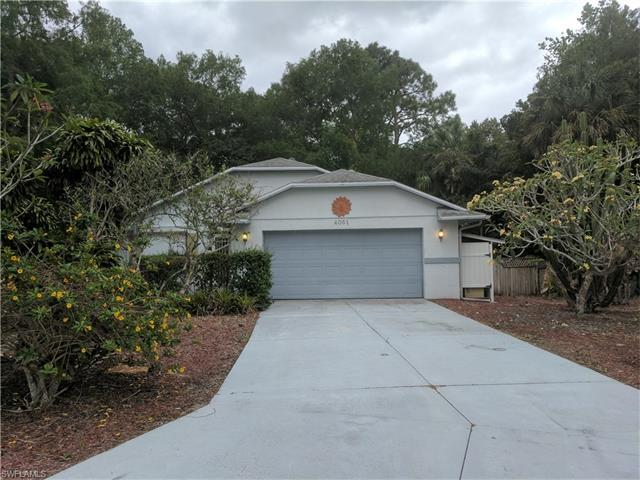 4061 Seaoats Ln, Naples, FL 34112 (#217028261) :: Homes and Land Brokers, Inc