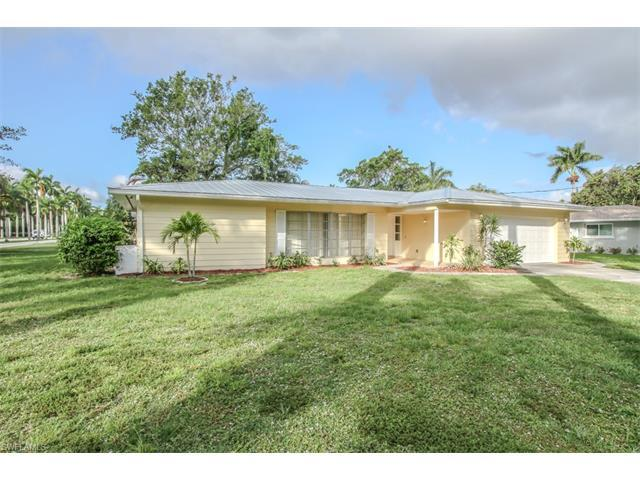 738 Dean Way, Fort Myers, FL 33919 (#217029360) :: Homes and Land Brokers, Inc