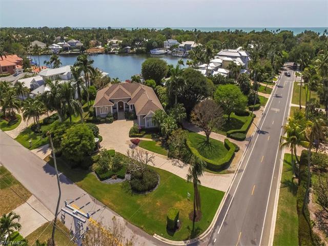 1830 4th St S, Naples, FL 34102 (MLS #217030574) :: The New Home Spot, Inc.