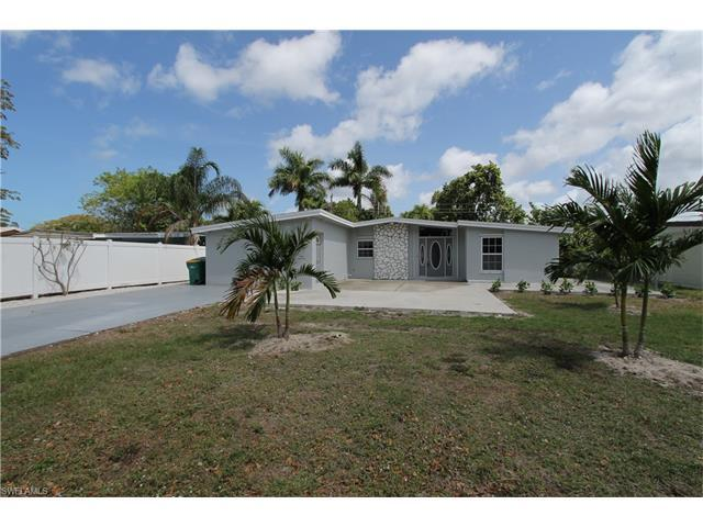 1971 Holiday Ln, Naples, FL 34104 (#217030666) :: Homes and Land Brokers, Inc