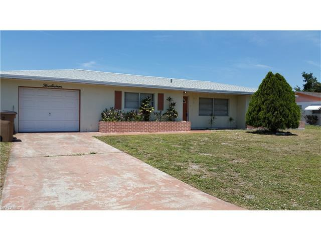 516 Pennview Ave, Lehigh Acres, FL 33936 (#217033420) :: Homes and Land Brokers, Inc