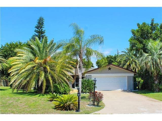 4469 Lakewood Blvd, Naples, FL 34112 (#217033536) :: Homes and Land Brokers, Inc