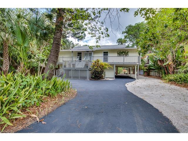 3105 Basin St, Naples, FL 34112 (#217033642) :: Homes and Land Brokers, Inc