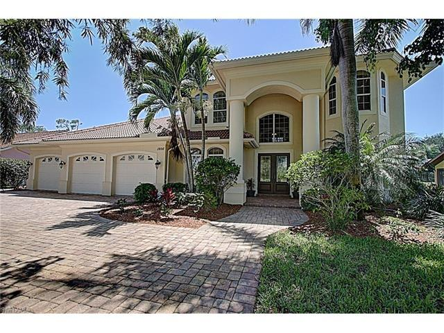 1956 Imperial Golf Course Blvd, Naples, FL 34110 (MLS #217034351) :: The New Home Spot, Inc.