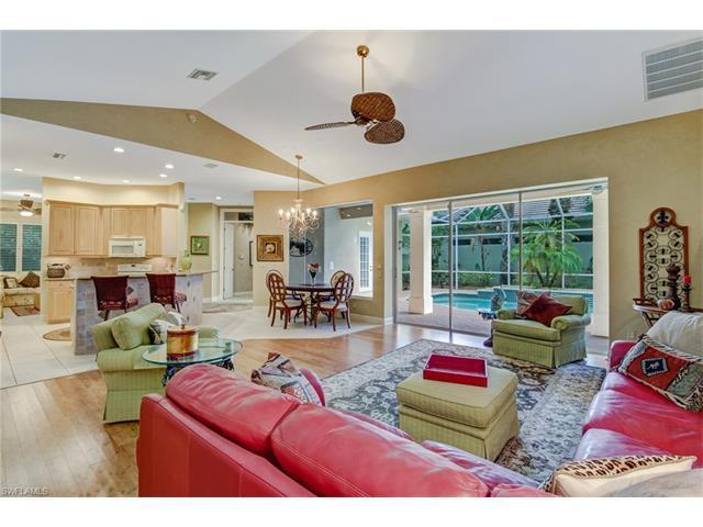 572 Eagle Creek Dr, Naples, FL 34113 (MLS #217034975) :: The New Home Spot, Inc.