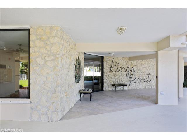 2150 Gulf Shore Blvd N #703, Naples, FL 34102 (MLS #217035475) :: The New Home Spot, Inc.