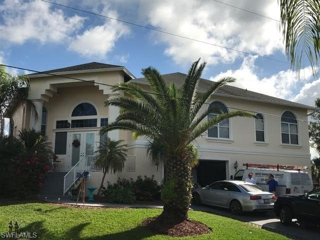 27171 Harbor Dr, Bonita Springs, FL 34135 (MLS #217036041) :: The New Home Spot, Inc.