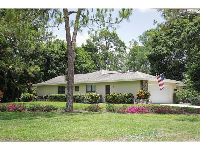 2216 Buckingham Ln, Naples, FL 34112 (MLS #217036177) :: The New Home Spot, Inc.