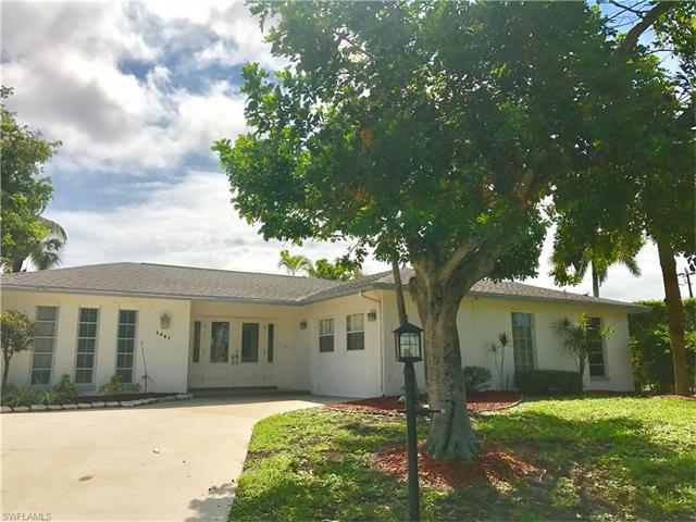 3461 Lakeview Dr, Naples, FL 34112 (#217037030) :: Homes and Land Brokers, Inc