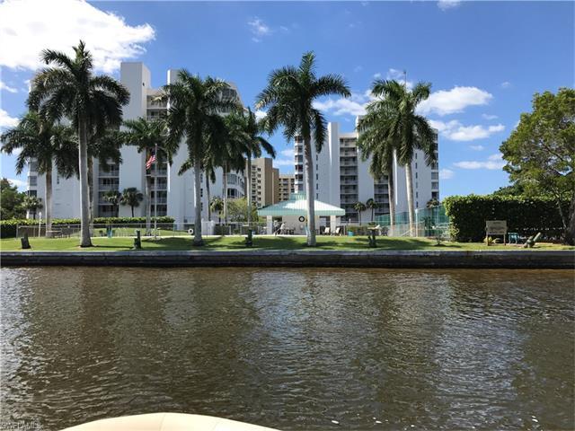 11116 Gulf Shore Dr B-502, Naples, FL 34108 (MLS #217038647) :: The New Home Spot, Inc.