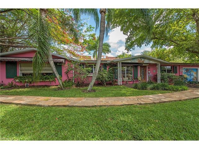 695 Broad Ave S, Naples, FL 34102 (#217038688) :: Naples Luxury Real Estate Group, LLC.
