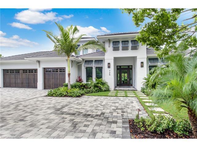 725 Regatta Rd, Naples, FL 34103 (#217039067) :: Naples Luxury Real Estate Group, LLC.