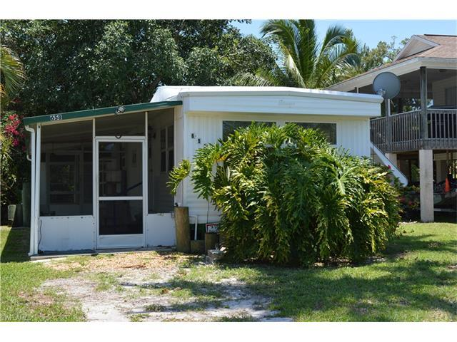 658 Palm Ave E, Goodland, FL 34102 (#217039249) :: Homes and Land Brokers, Inc