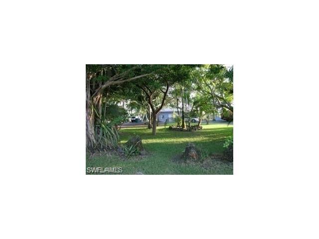 3200 Barrett Ave, Naples, FL 34112 (MLS #217039572) :: The New Home Spot, Inc.