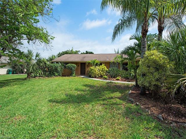 515 Pompano Dr, Naples, FL 34110 (MLS #217039872) :: The New Home Spot, Inc.