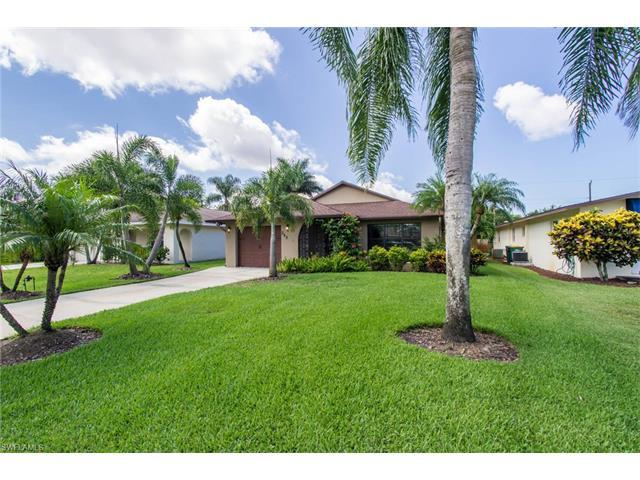 548 105th Ave N, Naples, FL 34108 (MLS #217040226) :: The New Home Spot, Inc.