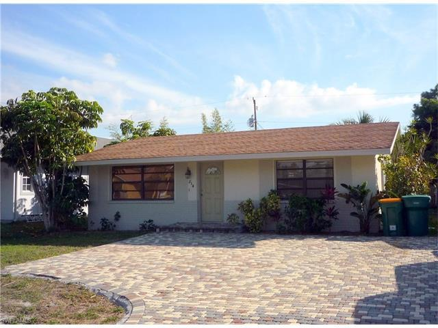814 109th Ave N, Naples, FL 34108 (MLS #217040733) :: The New Home Spot, Inc.