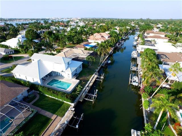 2079 Tarpon Rd, Naples, FL 34102 (MLS #217041277) :: RE/MAX Realty Group