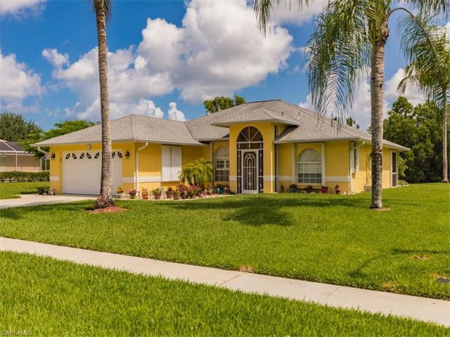 6161 Woodstone Dr, Naples, FL 34112 (MLS #217041914) :: The New Home Spot, Inc.