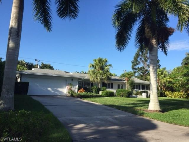 600 Wedge Dr, Naples, FL 34103 (MLS #217041960) :: The New Home Spot, Inc.