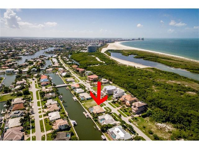 581 Spinnaker Dr, Marco Island, FL 34145 (MLS #217042060) :: The New Home Spot, Inc.