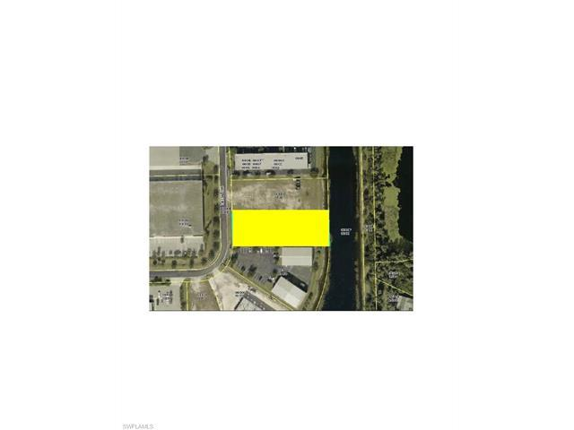 7875 Drew Cir, Fort Myers, FL 33967 (#217042430) :: Homes and Land Brokers, Inc